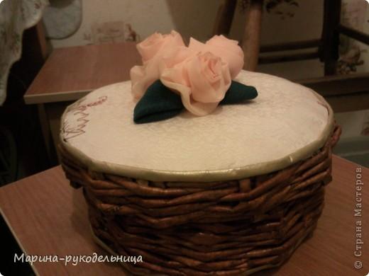 Ну не смогла я пройти мимо МК Танюшки-рукодельницы!!! Так мне эти розы чудесные понравились!!! Остался у меня кусочек ткани от тюли, я сразу решила попробовать смастерить их! Листья, правда, сделала из плотной ткани, но получилось не плохо!  фото 1