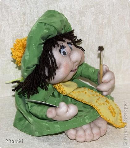 Смотрела-смотрела на кукол и... вот! свершилось! Прошу любить и жаловать - первый попик. По профессии - художник, весь такой свеженький, весенний :) фото 2