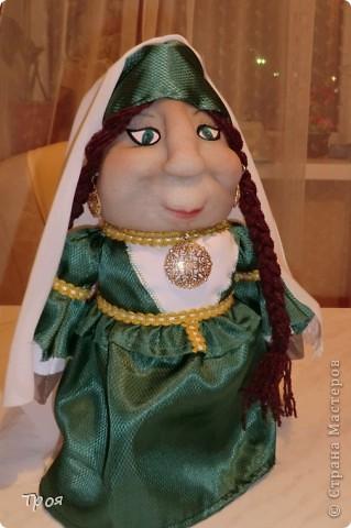 Лицо куклы сделана по мотивам МК Ликмы. Основа- пластиковая бутылка. Для устойчивости и просто так в бутылку насыпаны крупа, манетки и конфетки. :-) фото 1