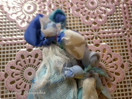 """Давайте сделаем чудесную куклу """"подарок-отдарок"""". Маму, дочку и младенца. фото 18"""