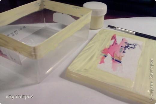 Вот такую шкатулочку помогла сделать дочке для Ярморки поделок. Подобную нам подарили (так что идея не моя). Дочка от нее в восторге. Хранит в ней денежку. Вот и мы решили сотворить подобную. фото 2