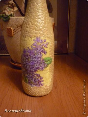 Бутылка,яичная скорлупа,акриловые краски,салфетка ,шпагат,аква-лак.Бутылочка была сделана в подарок. фото 2