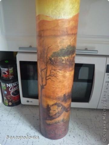 Бутылка,яичная скорлупа,акриловые краски,салфетка ,шпагат,аква-лак.Бутылочка была сделана в подарок. фото 8