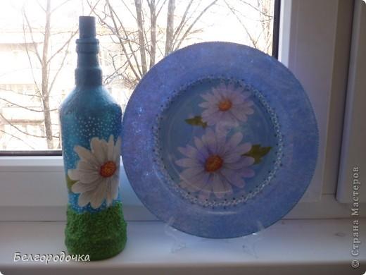 Бутылка,яичная скорлупа,акриловые краски,салфетка ,шпагат,аква-лак.Бутылочка была сделана в подарок. фото 11