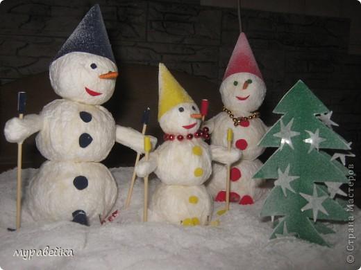Дружное семейство снеговиков) фото 1