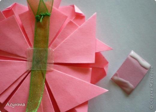 С приходом весны захотелось как-то украсить свой дом, тем более, что до распускания настоящих цветов ещё далековато, хоть я и живу в солнечном Крыму . Поэтому появились вот такие цветочные гирлянды. МК по созданию модульных цветов http://stranamasterov.ru/node/157161?tid=451  Большое спасибо автору! Меня эти простенькие и  милые цветы вдохновили на многочисленные идеи. фото 3