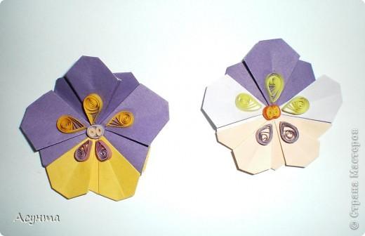 С приходом весны захотелось как-то украсить свой дом, тем более, что до распускания настоящих цветов ещё далековато, хоть я и живу в солнечном Крыму . Поэтому появились вот такие цветочные гирлянды. МК по созданию модульных цветов http://stranamasterov.ru/node/157161?tid=451  Большое спасибо автору! Меня эти простенькие и  милые цветы вдохновили на многочисленные идеи. фото 5