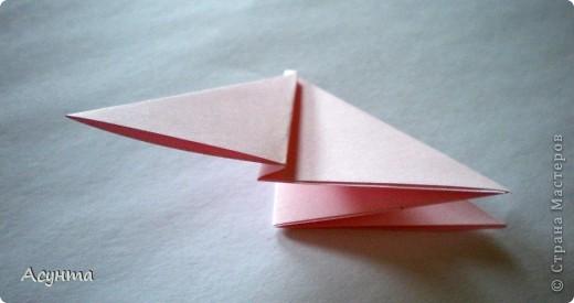 Предлагаю вашему вниманию МК бабочки-оригами. Вроде, такой ещё  не было. Это бабочка хороша тем, что очень быстро и просто складывается, под силу даже детям. фото 5