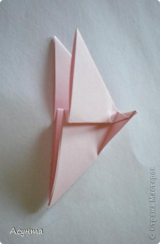 Предлагаю вашему вниманию МК бабочки-оригами. Вроде, такой ещё  не было. Это бабочка хороша тем, что очень быстро и просто складывается, под силу даже детям. фото 7