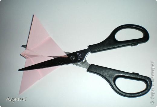 Предлагаю вашему вниманию МК бабочки-оригами. Вроде, такой ещё  не было. Это бабочка хороша тем, что очень быстро и просто складывается, под силу даже детям. фото 8
