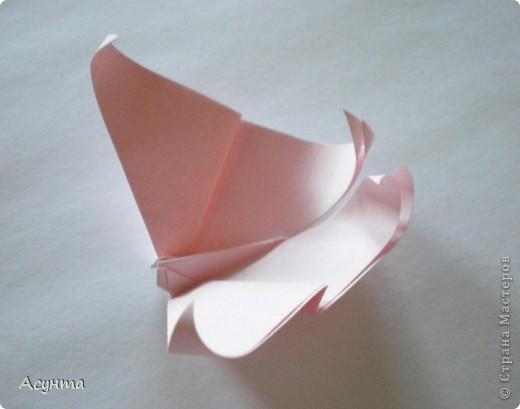 Предлагаю вашему вниманию МК бабочки-оригами. Вроде, такой ещё  не было. Это бабочка хороша тем, что очень быстро и просто складывается, под силу даже детям. фото 1