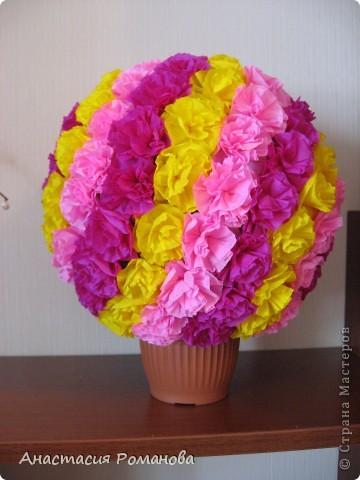 """В родолжение моей """"розовой"""" темы родился вот такой шар из розочек. Розочки крутила долго, несколько вечеров, результат меня очень порадовал, не зря потрудилась. фото 3"""