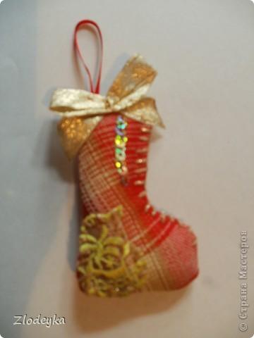 На Новый год решила добавить рукотворные украшения на ёлочку,получилась семья сапожков фото 6