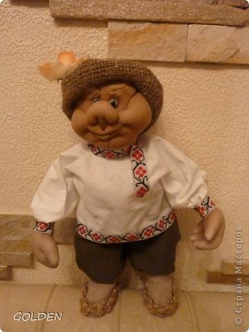 Привет! Я Петрович - Домовой! Ростика небольшого - 35 см, но очень домовитый, хозяйственный и аккуратный. Уезжаю на курорт жить - в Одессу! Ждут меня к 8 марта новые хозяева. Уж я их не подведу! фото 2