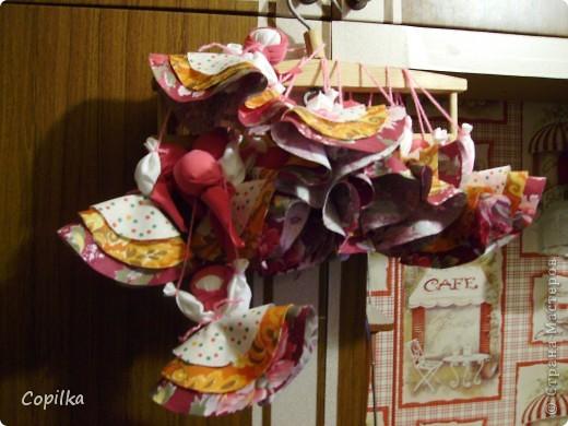 Вот таких кукол-оберегов мы навязали к ярмарке очень много! фото 1