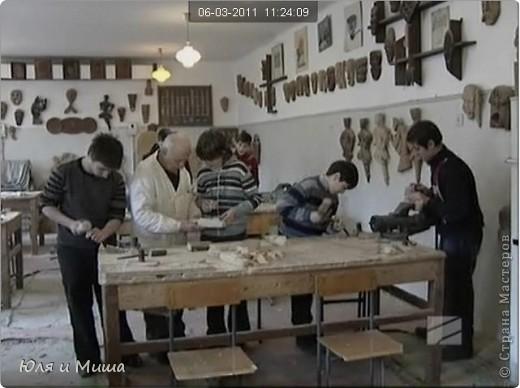 Работа с деревом - основное занятие ребят из Тбилисской школы на уроке труда фото 3