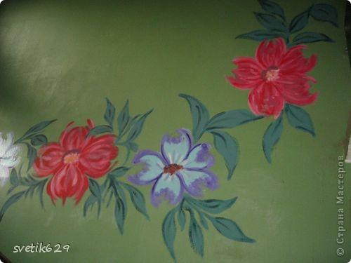 Вот такие цветочки я нарисовала в своем подъезде ,краску использовала обычную масляную для окон для цвета брала разные колера .Соседи были в полном восторге)) фото 3