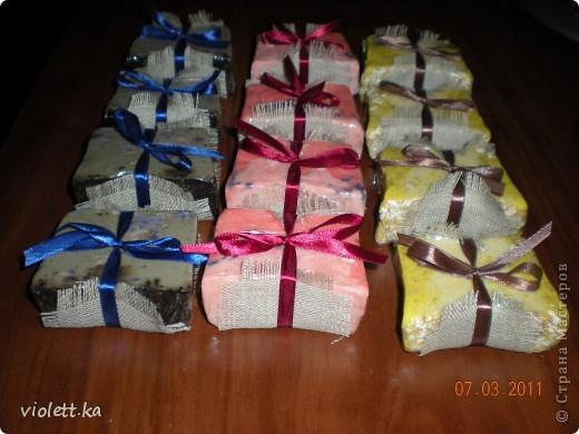 Большое спасибо всем мастерам - мыловарам за их мастер-классы! вот и я решила по их замечательным примерам сварить свое первое мыло) как раз к нашему международному, замечательному празднику!  фото 3