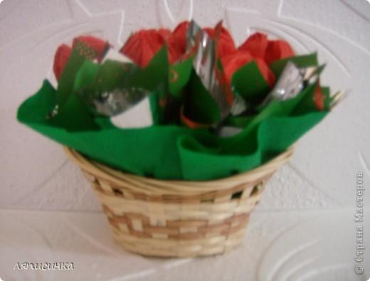 Вот такие букеты из конфет. фото 7