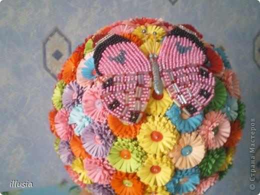 Сделали с дочкой бабушке к празднику!))) Первый раз делали,шар большой сделали ,цветов понадобилось 170 штук))) Но ни чего справились))) фото 2