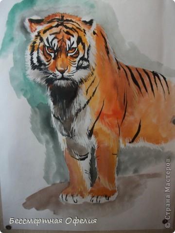 Одна моя знакомая закончила школу искусств и очень хорошо рисует. Вот одна из ее работ.