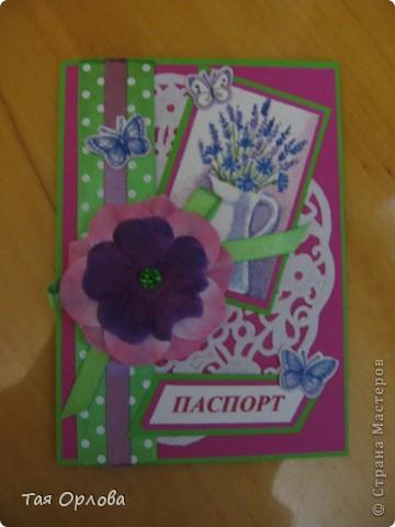 Добрый день всем!На ваш суд еще одна кучка открыток к 8 марта и не только.Нашли применение подарки из Светиной посылки-цветочки,листочки ,бабочки ,бусинки,картон.Две первые открытки просто с пылу с жару. фото 5