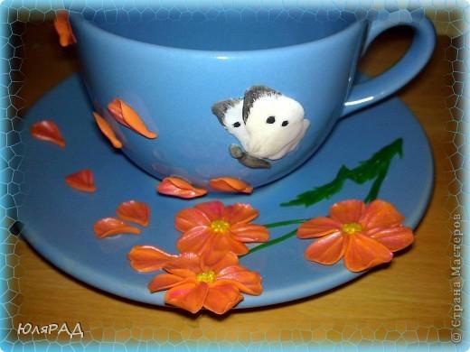 Вариант №3. Долго решала с цветами, какие будут..........в итоге получились такие даже не знаю что за сорт))) Но чашечка оказалась какой-то пустоватой, добавила бабочку капустницу, вроде ничего...........а главное нежненько, то что я люблю))) фото 3