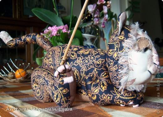 Вдохновившись работой Вдохновленной , чье МК http://stranamasterov.ru/node/40550?c=favorite  пришлось, как нельзя кстати - одной из внучек 13 марта исполняется 13 лет ,а значит она тигр и рыба, решила ей сделать игрушки к дню рождения из ивановских ситцев. Большое спасибо Вдохновленной и желаю ей еще большего вдохновения. фото 6