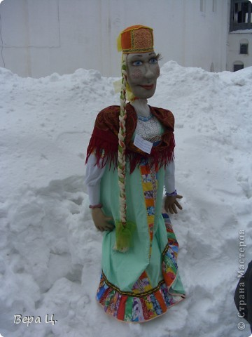 Куклы изготовлены учениками разных школ. Их все могли увидеть. фото 4