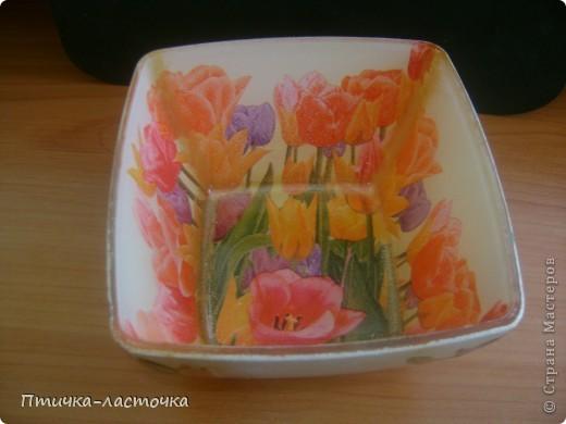 """Обратный декупаж очаровал... """"Тюльпаны""""  Тарелка квадратная 19х19 см, куплена в """"Ашане"""" фото 3"""