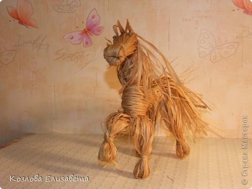Лошадка из лыка фото 1