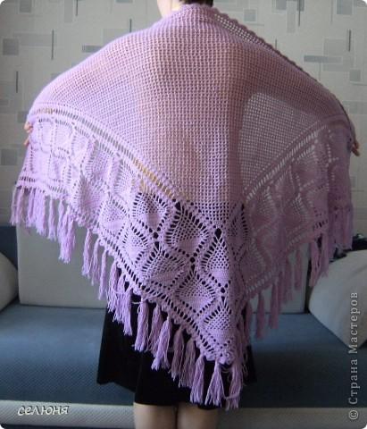 Любимой мамочке связала в подарок на 8 марта такую шаль. Нитки она выбирала сама, ей нравится такой цвет. фото 1
