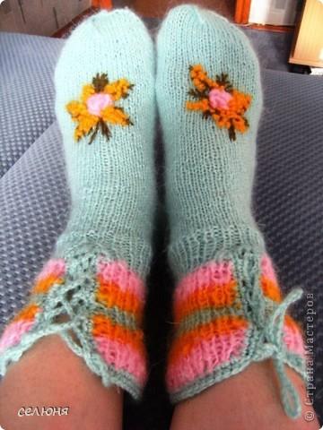 Вот такие носочки связала любимой соседке на 8 марта. фото 1
