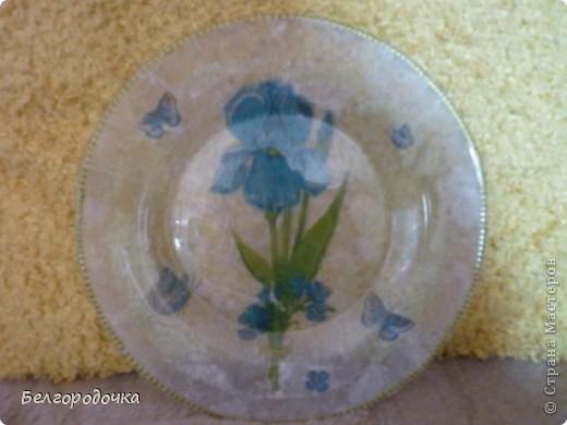 Прозрачная тарелка,обратный декупаж,салфетка,яичная скорлупа,клей ПВА,акриловые краски,аква-лак фото 2