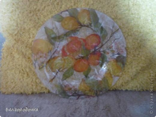 Прозрачная тарелка,обратный декупаж,салфетка,яичная скорлупа,клей ПВА,акриловые краски,аква-лак фото 4