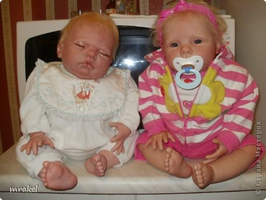 Первая изготовленная мной кукла-реборн. Дебют.  Кукла расписана специальными красками гинезис, закреплена маттварнишем, реснички и волосы прошиты нежным махером, утяжелена кукла стекло и пластикогранулятом, набита синтепоном. Родилась малышка 23 февраля, рост 50см., вес около 3 кг. Должен был быть мальчик, а получилась девочка, я назвала её Соней. Познакомьтесь! фото 17
