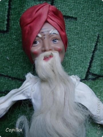 Вот в таком состоянии принесли мне старую-престарую куклу Хоттабыча!Размер её -30 см. фото 2