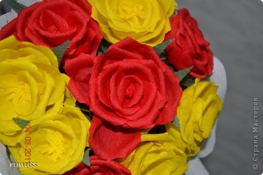 это цветы из нажелатиненой ткани,делала для знакомой, толи в прическу пойдут на какую-нибудь заколку, толи просто так останутся фото 3
