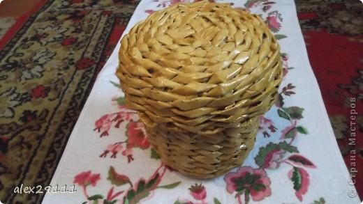Такой туесок я сделала для себя. Попробовала плетение веревочка. В этой технике очень понравилось, т.к. готовое изделие даже без покрытия лаком получается очень прочным и напоминает плетение лозой. фото 1