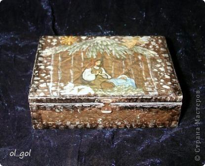 У меня ещё не было никаких материалов но очень хотелось попробовать. Зато была коробка от сигар, акриловая краска и клей ПВА, оставшиеся от ремонта и салфетка.Яиц я наколотила...  фото 2