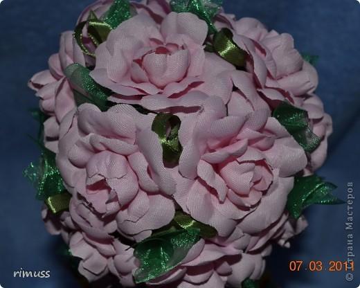 """вот такие деревья """"выросли"""" у меня для мам к празднику, они у меня первенцы ,даже жалко было дарить. цветы сделаны из нажелатиненой ткани, горшечки делала из пеноплпстовых лотков от печеньев, пробовала декупаж фото 6"""