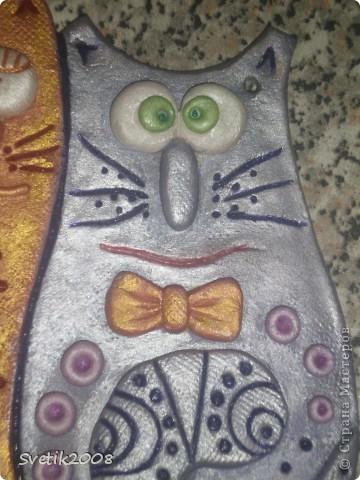 Нашей влюбленной бабушке (маме) в подарок на 8 марта слепила вот таких мартовских котеек. Вдохновилась работой Надежды Боталовой. http://stranamasterov.ru/node/155325 Спасибо за идею. фото 3