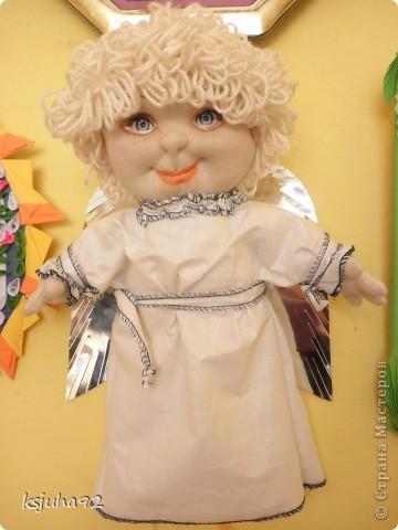 """Такий красавчик - ангелочок з""""явився у мене в подарунок на 8 Березня. Зроблений із трикотажу. Перша спроба робити ляльку у цьому виді техніки. фото 4"""