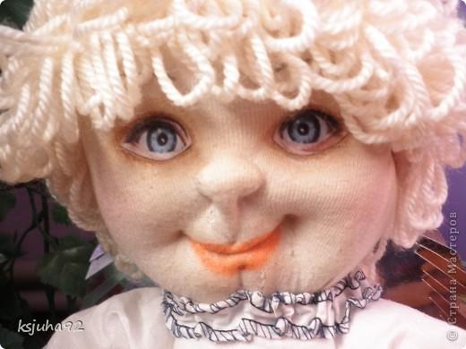 """Такий красавчик - ангелочок з""""явився у мене в подарунок на 8 Березня. Зроблений із трикотажу. Перша спроба робити ляльку у цьому виді техніки. фото 3"""