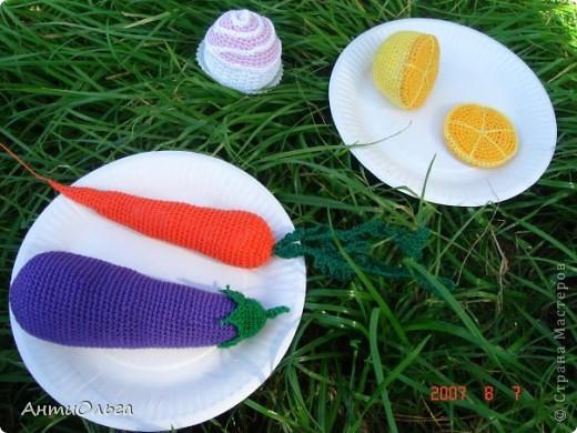 Овощи, фрукты и пирожное. фото 1