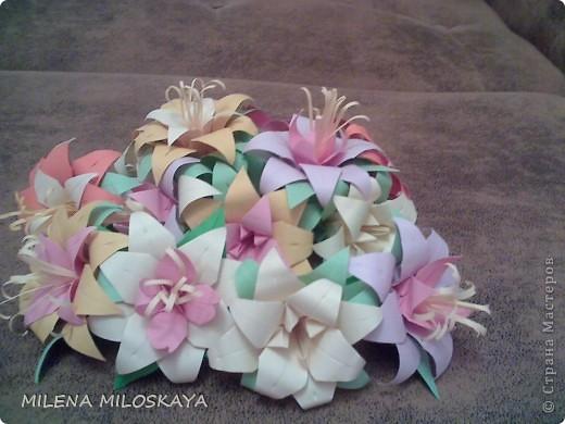 Разноцветные лилии. Сделаны на основе ириса , середины к лилии и чашелистника. фото 1