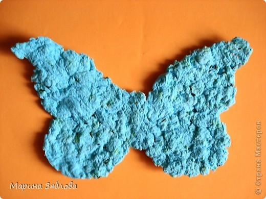 Вот таких бабочек мы сделали с дочечкой.А секрет в том , что в бабочках есть семена, которые потом можно посадить. Можно сделать открытку с  разным фоном , формой и удивить того,  кому она предназначена.  фото 8