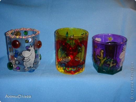 Делаем подсвечники. Витражные краски, стаканы-бокалы, украшения-камушки (на клей-пистолет). фото 1