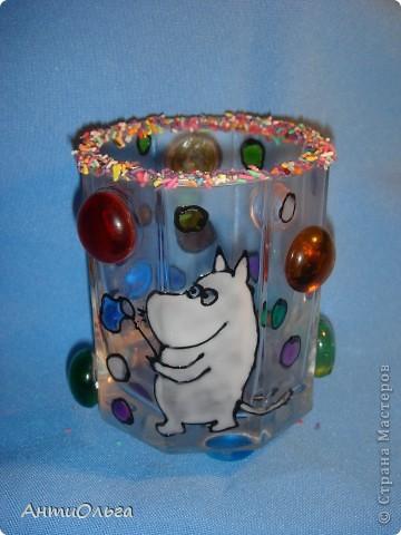 Делаем подсвечники. Витражные краски, стаканы-бокалы, украшения-камушки (на клей-пистолет). фото 2