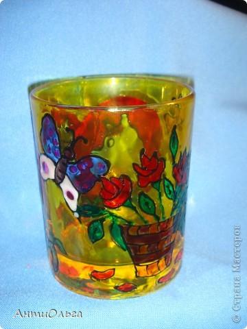 Делаем подсвечники. Витражные краски, стаканы-бокалы, украшения-камушки (на клей-пистолет). фото 3
